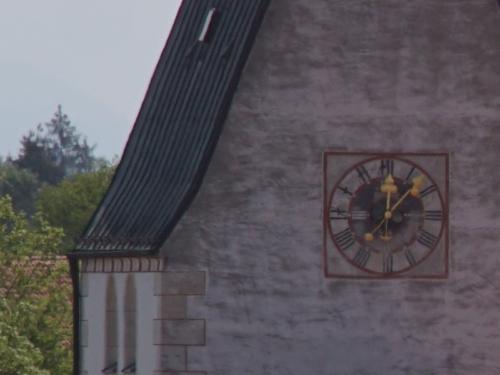 Church-Vivitar-70-210-crop-800x600px